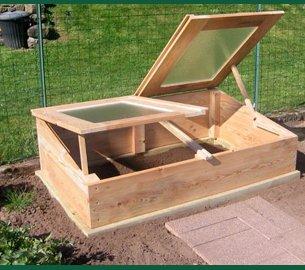 une serre pour prot ger et cultiver des plantes exotiques plantes d 39 exception. Black Bedroom Furniture Sets. Home Design Ideas